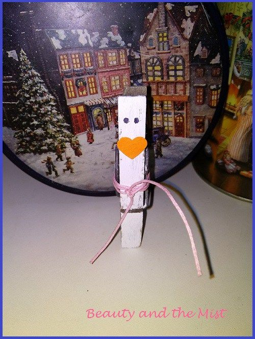 Wooden clothespins was one of my sources of inspiration for this year's Christmas crafts. It is a material that you most probably already have at home. So, this is what I'm not going to…