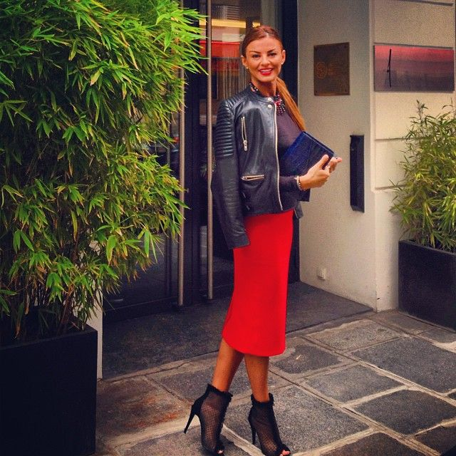 For hip accentuation, pencil skirt