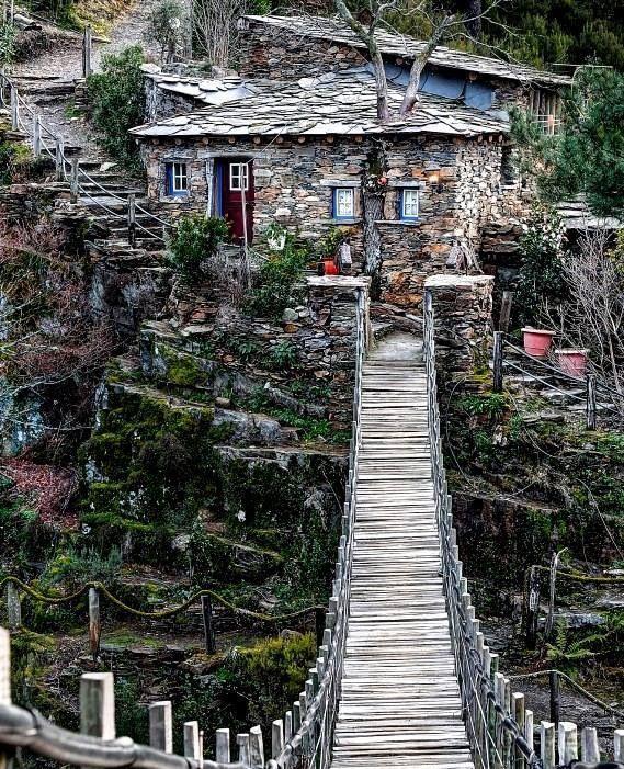 Ponte de madeira em Foz d´Egua, Piódão, Arganil