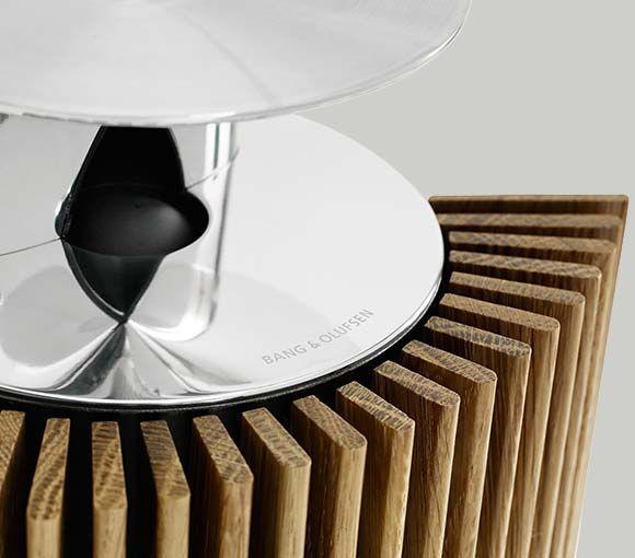 Draadloze luidspreker met een iconisch design - de BeoLab 18 - Bang & Olufsen