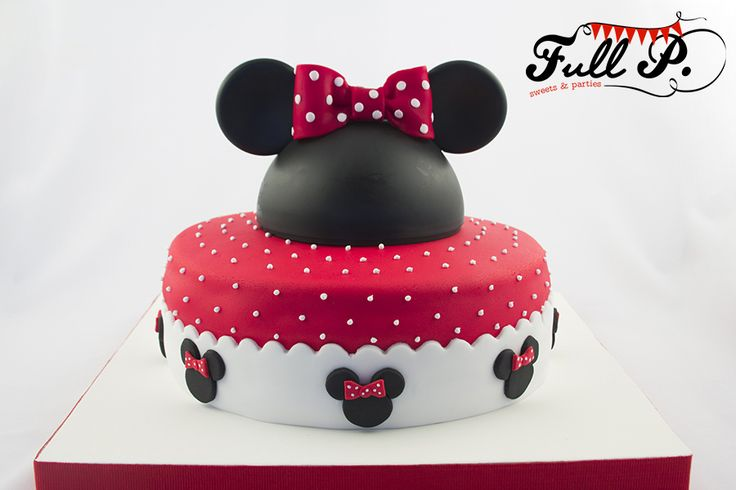Una nueva versión de un clásico! Una torta preciosa de Minnie para los dos añitos de Josefina.                          Y acompañamos esta t...