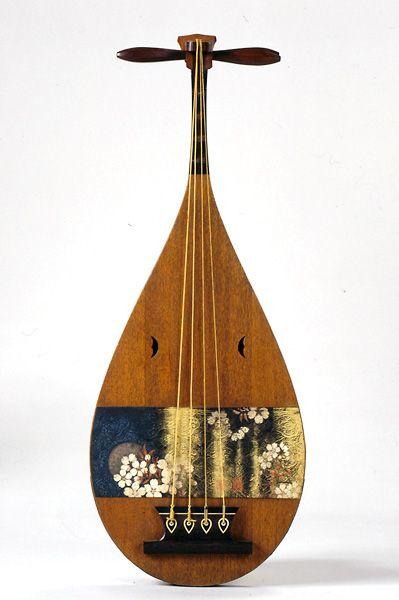 Japanese Lute(biwa)    Ka-getsu 花月    19th century