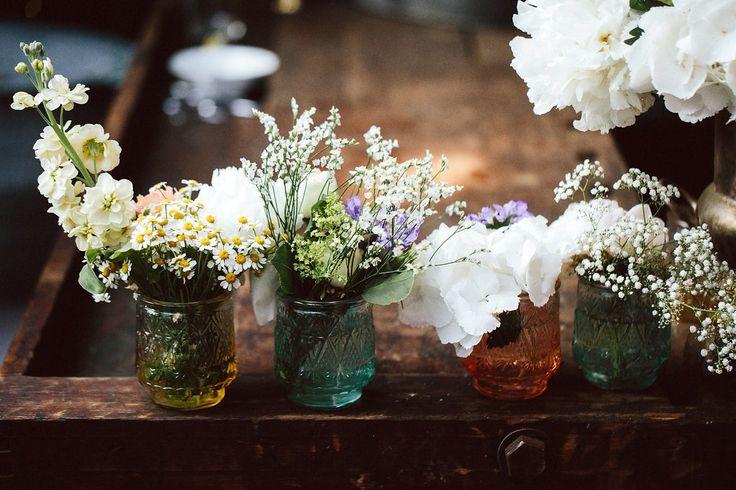 Blumendekoration, Hochzeit auf einem alten Frachtschiff bei der Berliner Welle // Ann.Meer by Anna-Maria Dahmen