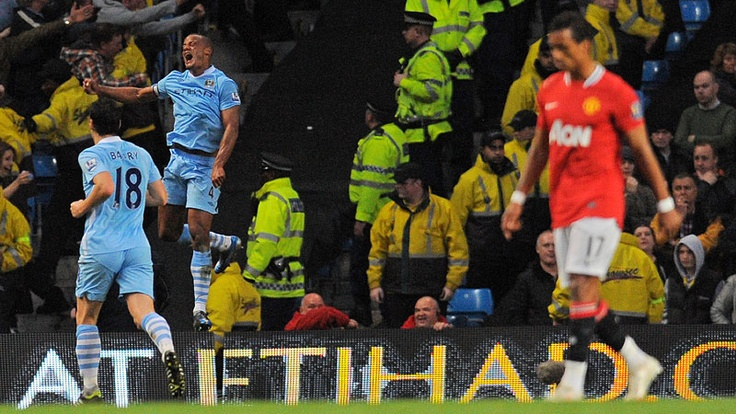 Vincent Kompany celebrates scoring the only goal of the game. Man City 1 Man United 0