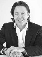 Dr. Stuart Paul Geldenhuys - Plastic Surgery Clinic in South Africa