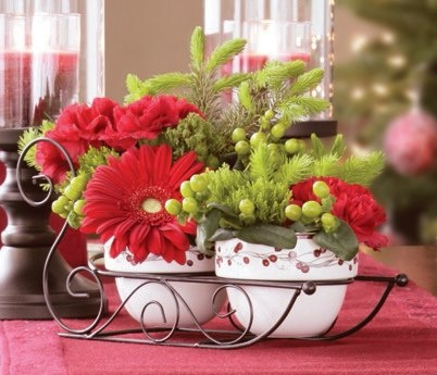Create a fabulous floral arrangement using our Woodland Berry Sleigh! Just one more way you can add Everyday Style to your holidays. Find out more at www.EverydayStyle.com.