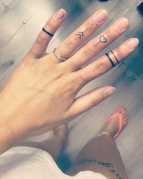 43 Cool Finger Tattoo Ideas for Women