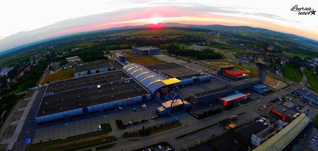 Leyraa-UAVO Zdjęcia i Filmy z drona / Usługi Dron / Licencjonowany Pilot UAVO / Kielce / VBLOS: Targi Kielce, Zakładowa 1 z lotu drona