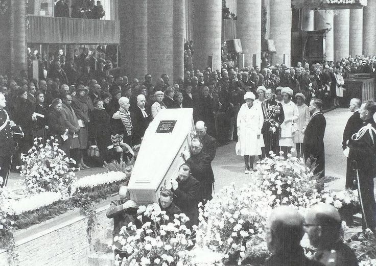 The burial of queen Wilhelmina in 1962 in Delft