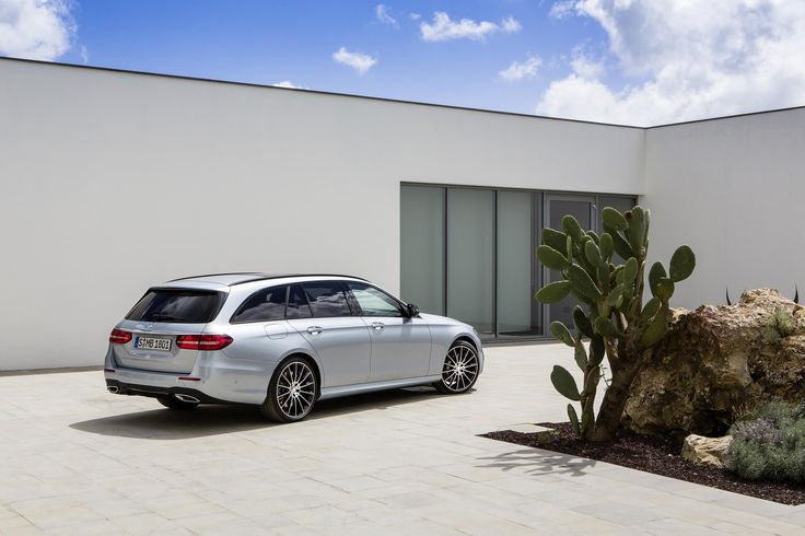 Mercedes Benz has just announced the UK pricing for the new E-Class Estate. Prices start from £37,935 for the E 220 diesel SE 150 hp and £40,430 for the E220 diesel AMG Line. Initially, at launch, only the 4 cylinder diesel enginewill be available. Joining the range later this year will be the E 350