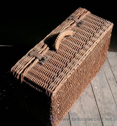 Antigua maleta picnic de mimbre - Cierres metálicos. Asa mimbre -  59cmx37,5cmx23cm - Circa 1940