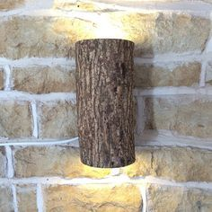 Wooden Log Wall Light Real Log Wall Light por Uniquelightingco