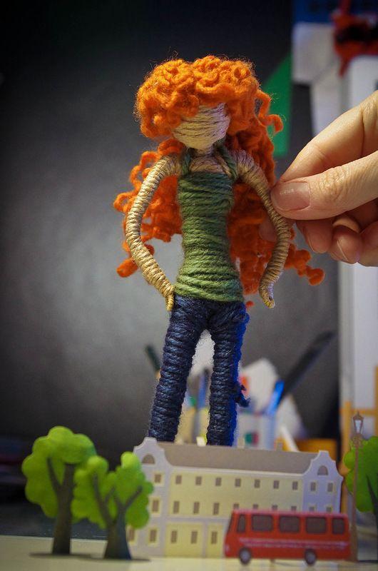 Labores en Red: 1630.- Zoe Pinigina.  Zoe hace muñecas de alambre que consiguen transmitir emociones. Me encantan