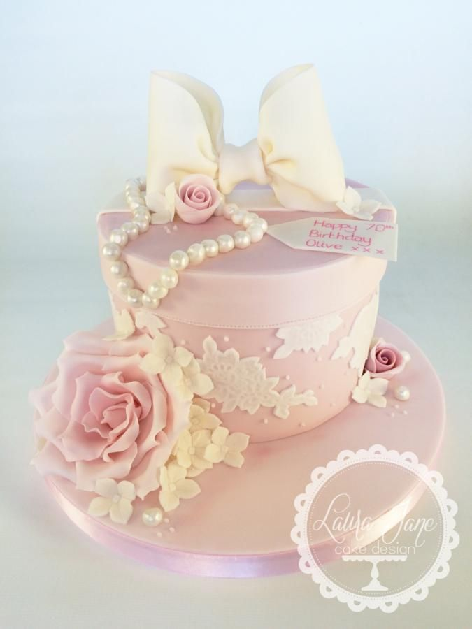 Vintage Hat box Cake by Laura Davis