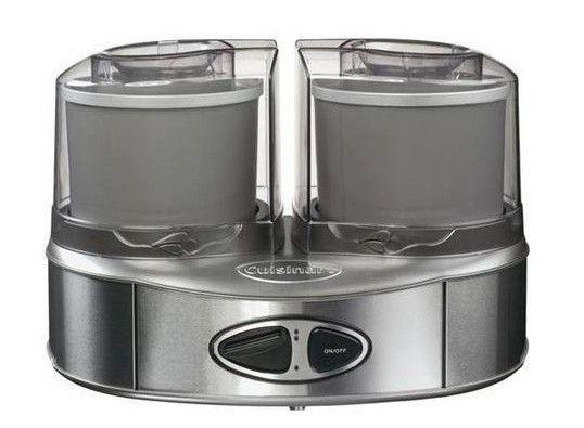 Cuisinart ijsmachine Duo ICE40BCE € 135,- Met deze ijsmachine Ice Cream Duo kunt u in een handomdraai niet 1 maar 2 soorten roomijs, yoghurtijs, sorbets of bevroren drankjes maken. Het enige dat u hiervoor hoeft te doen is het klaarmaken van de basis van uw dessert. Deze giet u in de vriezerkom en binnen 20-30 minuten wordt uw gerecht automatisch bereidt.