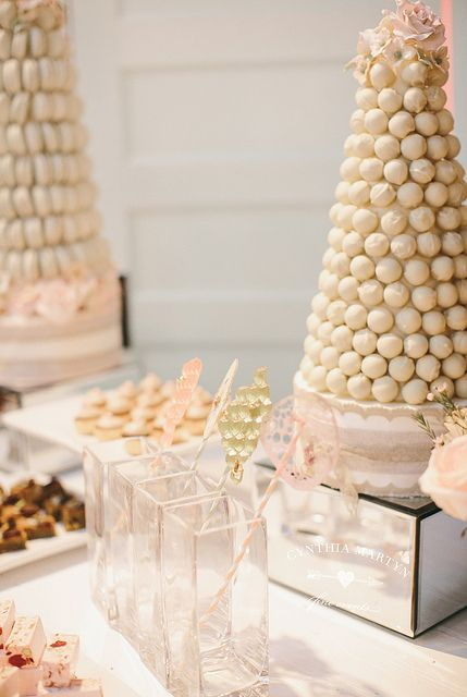 Towers and Lollipops by Cake Opera Co. / Styling by Cynthia Martyn Fine Events