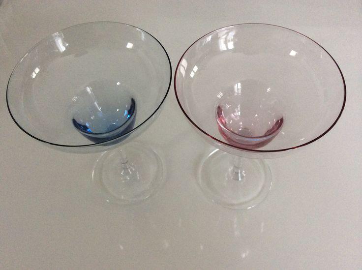 upeat coktail-lasit . korkeus 17cm . punainen myyty