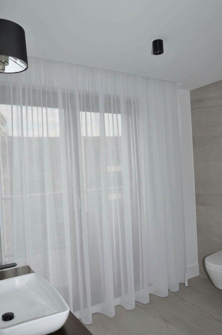 Dekoracje okien w pokoju kąpielowym