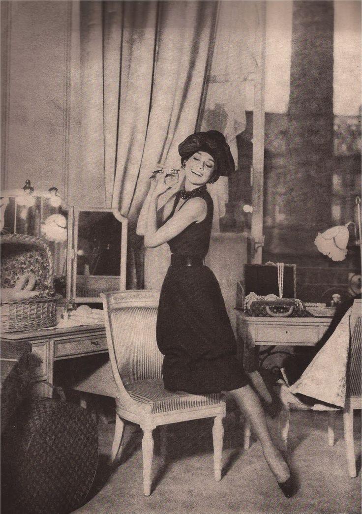 42 best 1959 paris pursuit harper 39 s bazaar magazine. Black Bedroom Furniture Sets. Home Design Ideas