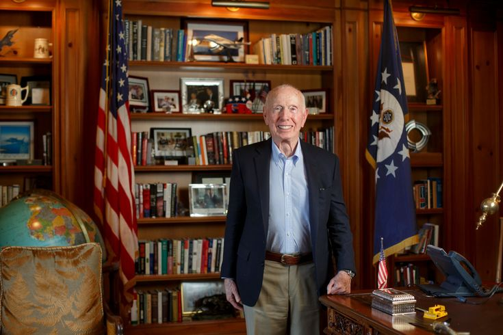 Prominent Republican Donor Issues Ultimatum on Assault Weapons