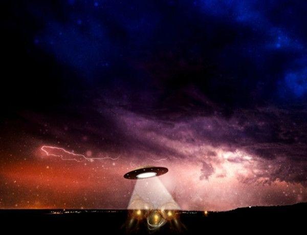 Во Франции квадрокоптер запечатлел НЛО: Параллельные миры, призраки или инопланетяне? » Новости мира