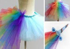 Falda de tul varios colores con efecto cola de caballo, acompañado con diadema multicolor y cuerno de unicornio.