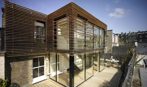 The modern VELFAC 200 has a stylish and clean design that is suitable for modern houses.