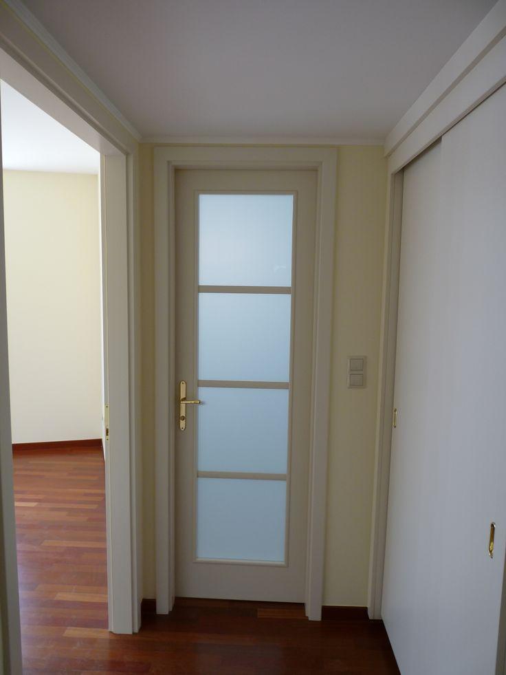 klasszikus mdf beltéri ajtó, rátétosztásokkal