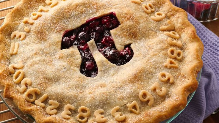 An easy berry pie gets a mathematical update for Pi Day, 3/14 of course.