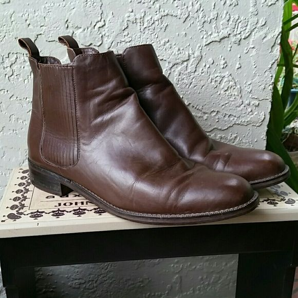 Marks & Spencer Men's Brown Leather Ankle Boots Brand Marks & Spencer UK Designer Men's Size 7 Very nice preloved condition  Leather Brown Ankle Boots side zipper (inside) leather covered Elastic flex sides. Originally $99.00 plus international shipping Mark's & Spencer  Shoes Ankle Boots & Booties