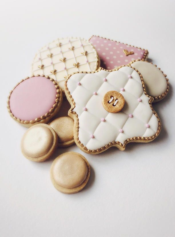 ♔Tufted Polka Set Cookies