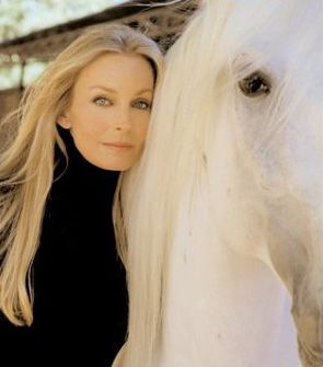 Bo Derek (b. November 20, 1956) Bo Derek is a well known Christian conservative. She campaigned for George W. Bush in 2000 and 2004.