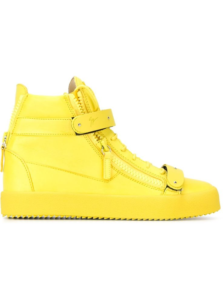 Giuseppe Zanotti Design baskets montantes à détails de zips 789.88 EUR. Trix yellow leather high-top sneakers. 26 May 2016 on sale on Farfetch was $1000, now $550 sizes IT: 39,40,40.5,41,41.5,42,42.5, 43,43.5,44.