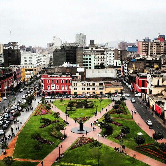 centro de lima, vista desde edificio del poder judicial, avenida Abancay