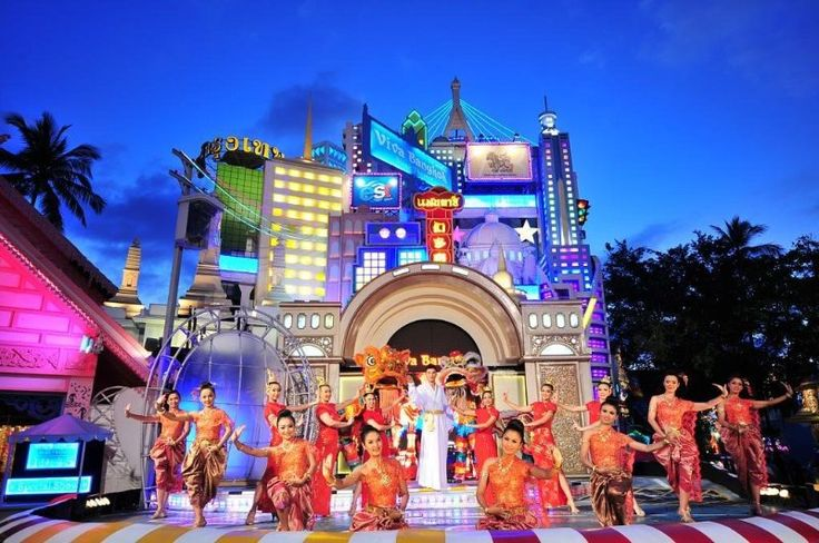 #PhuketFantasias is the Islands biggest show where thousands of Performers are performed. It is not only the shows of Charm and Beauty of #Thailand, but enriches ancient #ThaiTraditions. http://followmephuket.com/phuket-fantasea.html