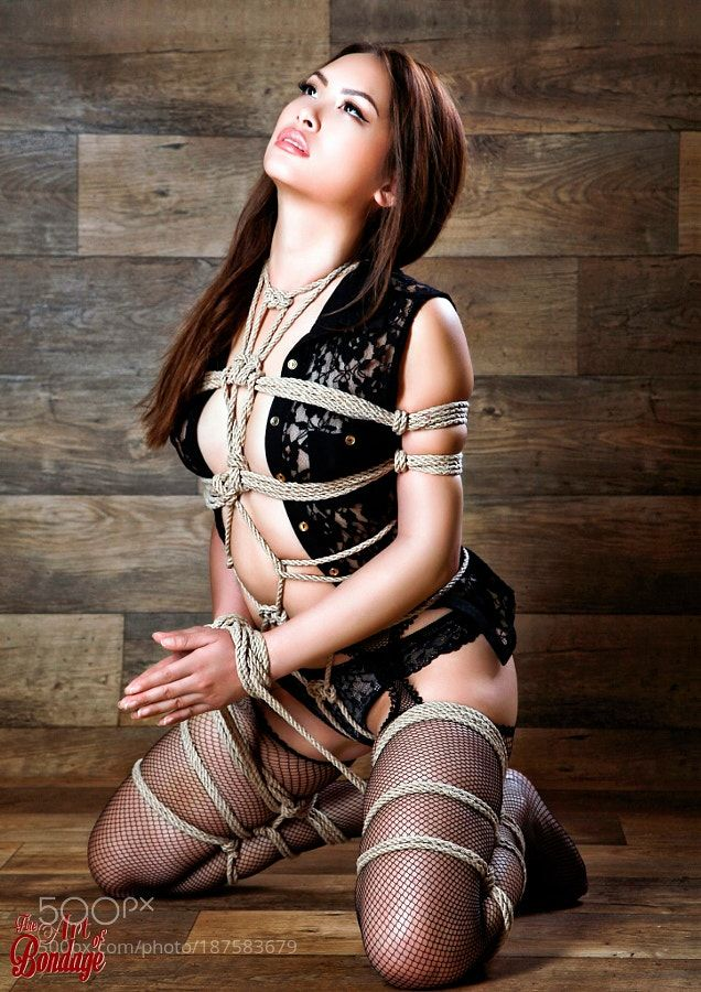 Fine Art Bondage Beauty of Rope III Calendar 2017 by
