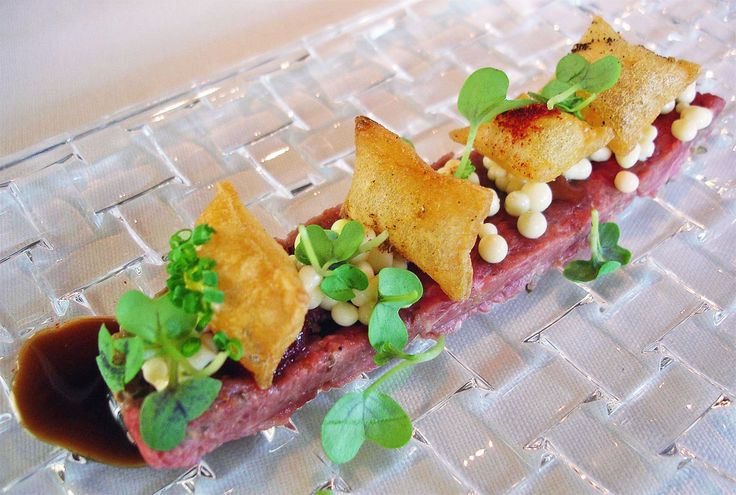 Steak tartar con helado de mostaza del Celler de Can Roca