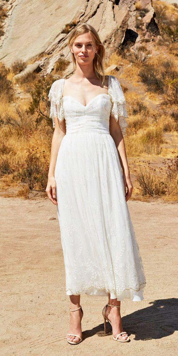 New York Fashion Week - Wedding Dresses Fall 2018 ❤ wedding dresses fall 2018 sweetheart neckline mid length with sleeves lace savannah miller ❤ Full gallery: https://weddingdressesguide.com/wedding-dresses-fall-2018/ #bridalgown #weddingdresses2018