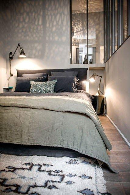 Lyon / appartement d'hôtes / total look gris et bleu encre /