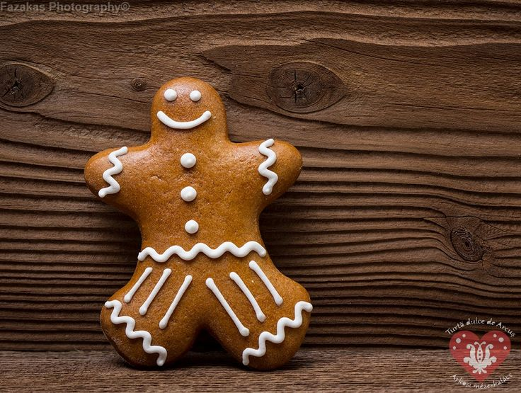 Gingerbread from Shrek. https://www.facebook.com/Arkosimezeskalacs?ref=hl