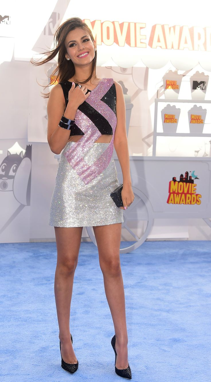 Victoria Justice, 2015 MTV Movie Awards, Los Angeles, Little dress and Black Pointed pumps. Beauty On High Heels #Fashion