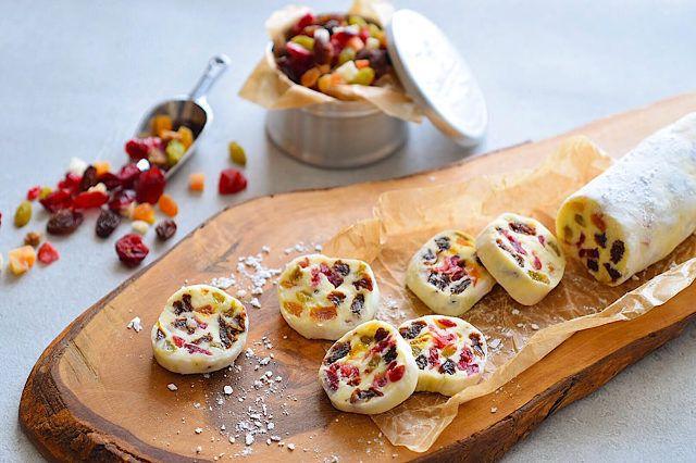 食通のためのグルメメディアdressing「dressing編集部」の記事「手作りバレンタインにおすすめ! ザクザク食感が楽しめる絶品スイーツ「チョコサラミ」の簡単レシピ」です。