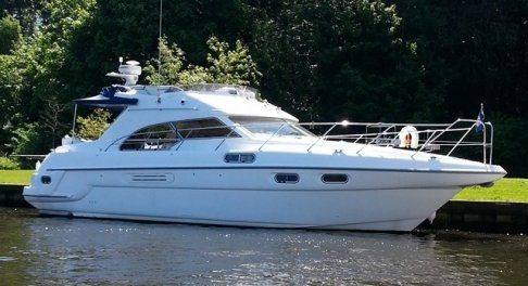 Sealine statesman 39s. 3 Cabins, 5+1 Berths. Available for Charter in Portugal