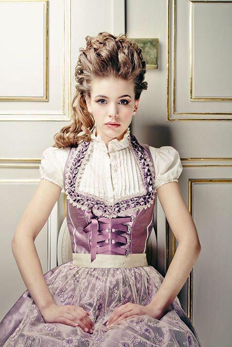 世界の花嫁たち♡ 民族衣装「ディアンドル」が可愛すぎるドイツのwedding