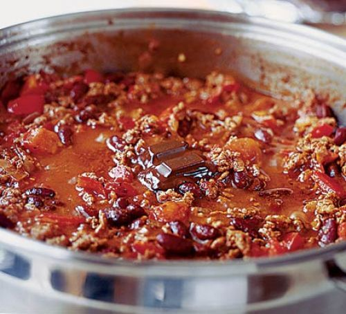 The best chilli recipe I've tried - subbed with veggie mince & veg stock cube to make it #vegan