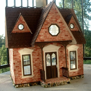 Dollhouse Minis: My New Red Brick Orchid Dollhouse