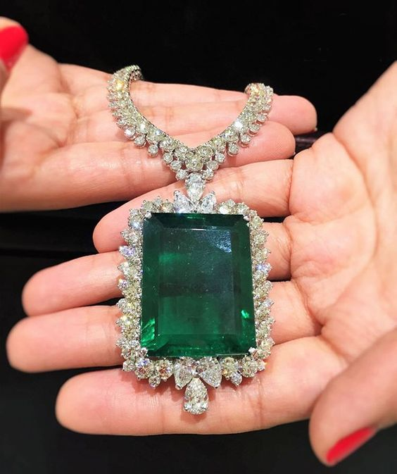 This summer's knockout Butani Jewellery is an 80 carat emerald pendant necklace