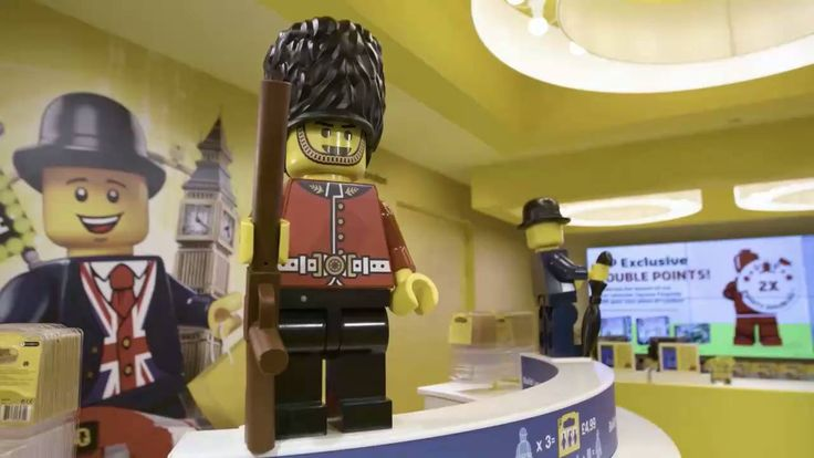 LOCO OVER LEGO? Here's what the world's largest LEGO store in London looks like. (Video: Natalie Powell)
