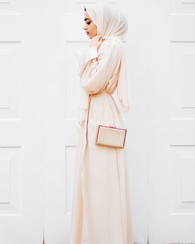 Ootd from a few weeks ago Abaya with pearl detail: Made by me Clutch : @newlookfashion Hijab: @onlyhijab