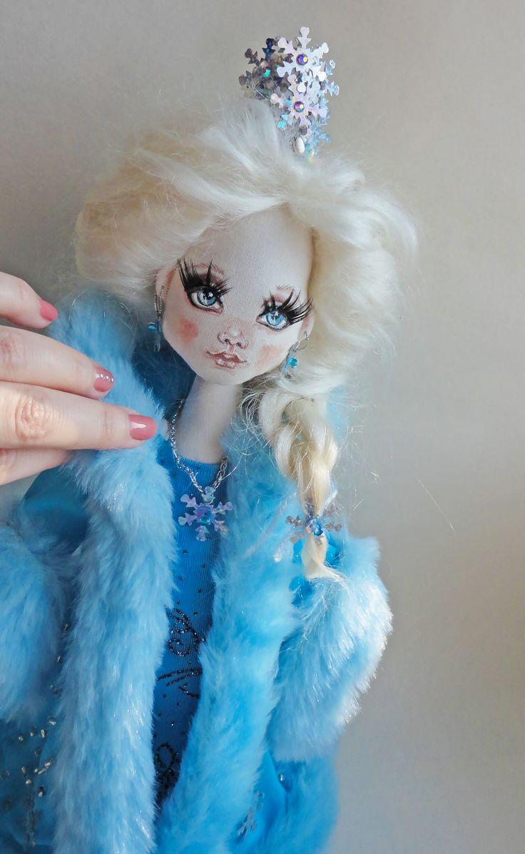 #snowqueen #textiledolls #Elsa #снежнаякоролева #текстильныекуклы #evaidolls @evaidolls